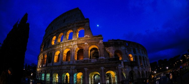 illuminated_colosseo